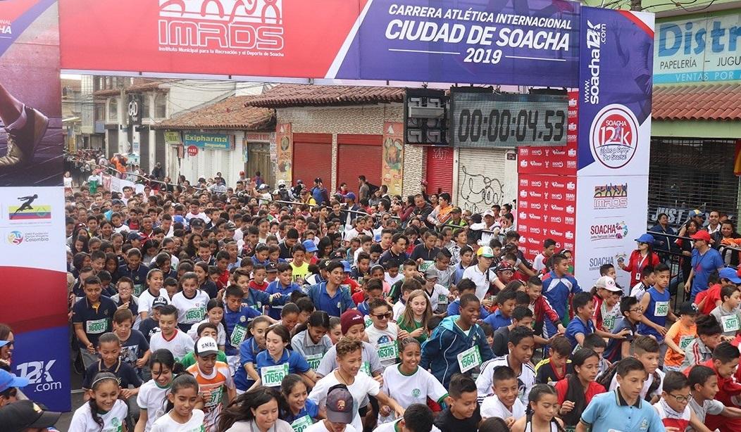 La colombiana María Fernanda Montoya y Bayron Piedra de Ecuador dominaron la XXVIII Carrera Atlética internacional de Soacha.