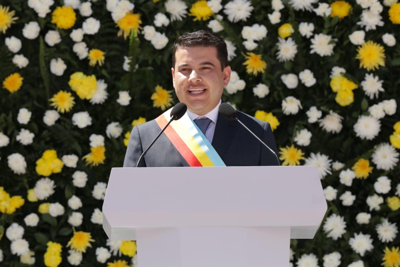 Nicolás García se posesionó como gobernador de Cundinamarca
