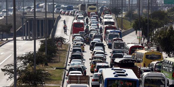 El 23 de marzo se aplicará el primer pico y placa festivo en la Autopista Sur.